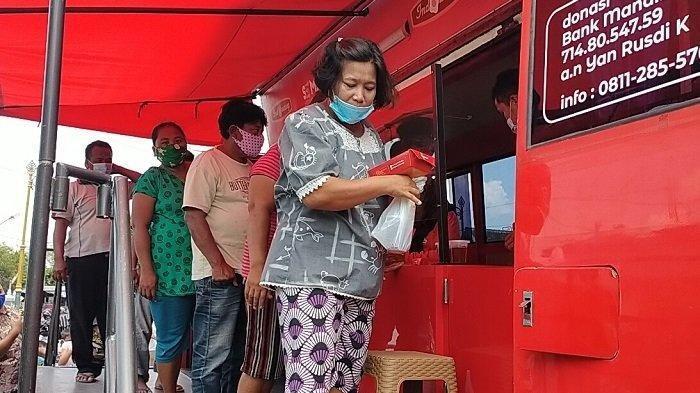 Warung Makan Gratis Indowareg Keliling Klaten : Bagikan 100-150 Paket Nasi, Buka Mulai Jam 10 Siang