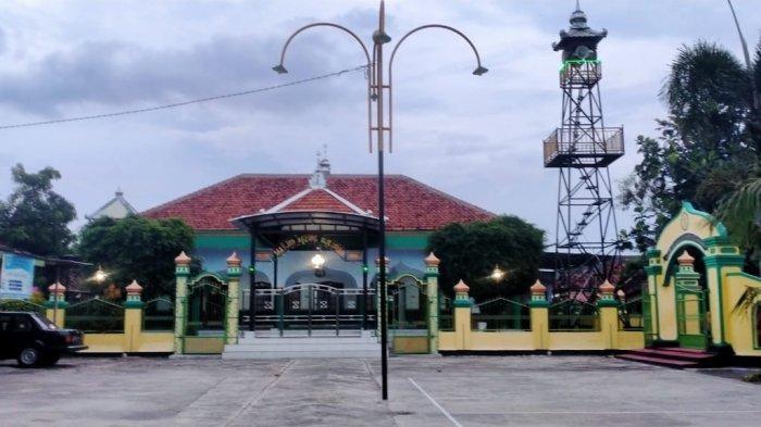 Masjid Agung Puluhan Klaten yang Dibangun Oleh Sunan Kalijaga, Mimbar Ratusan Tahun Masih Terjaga