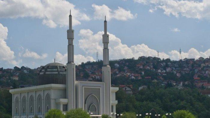 Masjid Istiqlal Dzamija : Hadiah dari Presiden Soeharto Untuk Rakyat Bosnia