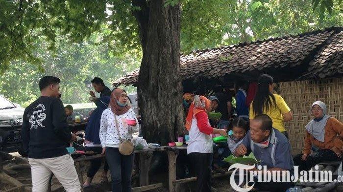 Wader Waduk Pacal Bojonegoro Warung Mbak Sumi Ini Jadi Favorit Pembeli, Siang Hari Sudah Habis