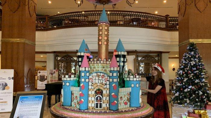 Menjelang Natal, The Sunan Hotel Solo Bangun Christmas Castle Unik Dari Kue Sempe & Opak Angin