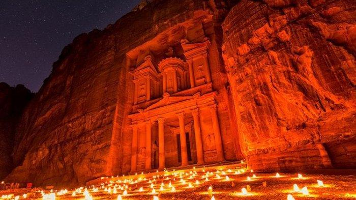 Pesona Sejarah Petra, Keagungan Kota Batu Kuno di Yordania
