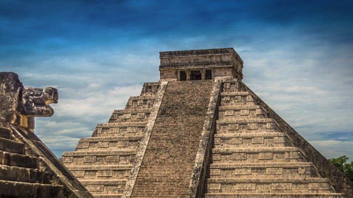 piramida kukulcan di Meksiko