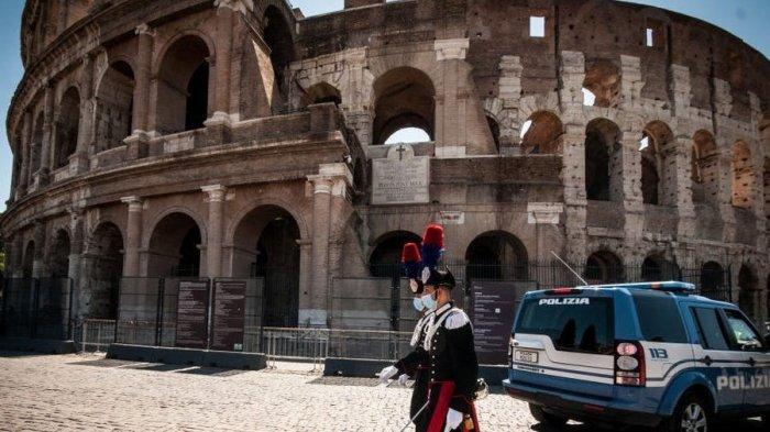 Seorang Turis Irlandia Ditangkap di Roma Karena Corat-Coret Dinding Colosseum