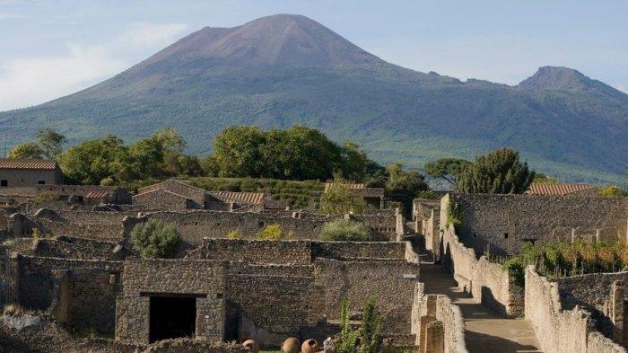Curi Artefak Kuno Dari Pompeii, Turis Asal Kanada Ini Mengaku Mendapat Kutukan Serius