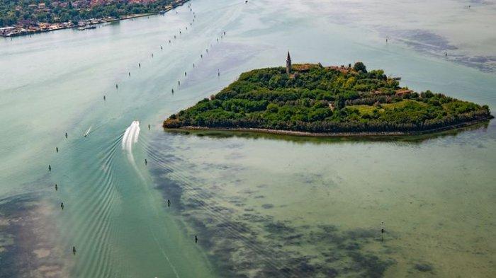 Wisata Misteri ke Pulau Poveglia yang Diasingkan, Ada Bekas RS hingga Kuburan Masal