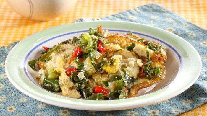 Resep Telur Ceplok Masak Tomat Ijo, Inspirasi Menu Enak Untuk Makan Siang