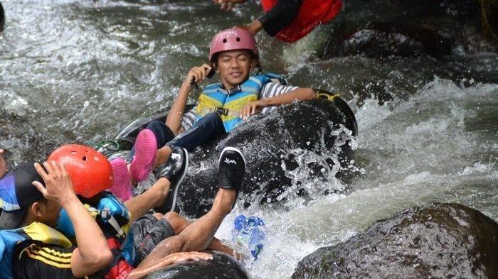 Wisata River Tubing Watu Kapu Klaten Banyak Dikunjungi Wisatawan dari Luar Daerah