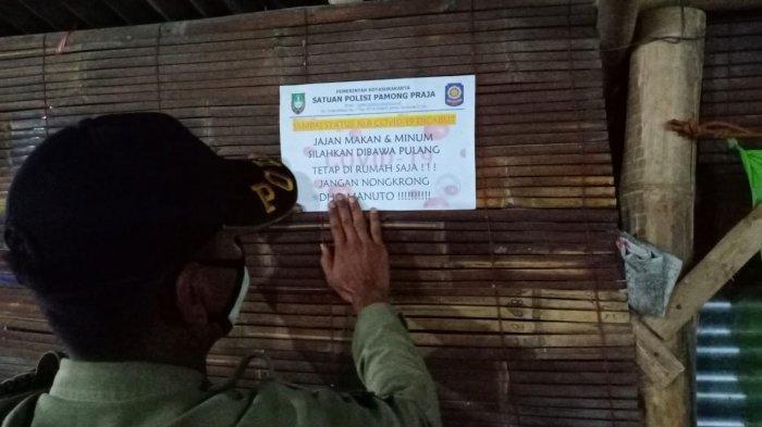 Pandemi Corona, Satpol PP Patroli Pasang Stiker Khusus di Tempat Kuliner Kota Solo