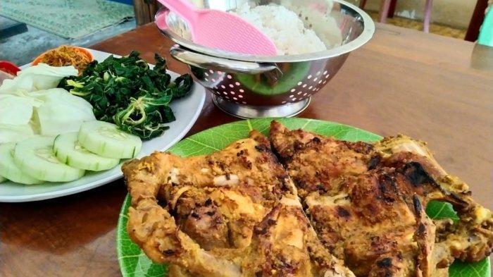 Kuliner Ayam Panggang Mbok Denok Karanganyar, Dibanjiri Pembeli Meskipun Berada Jauh Dari Pusat Kota