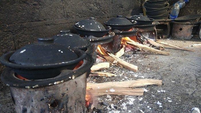 Anglo untuk masak Serabi Kocor di Gadingharjo, Kretek, Bantul.
