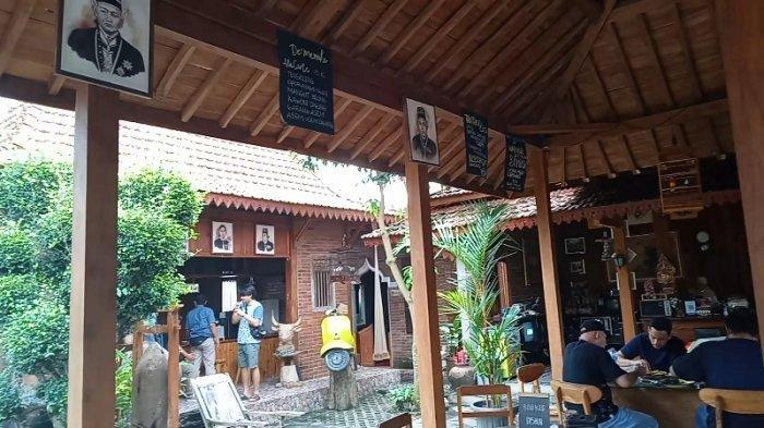 Wisata ke Borobudur, Jangan Lupa Nikmati Suguhan Khas Otentik Jawa Kuno di De'menake