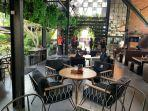 cafe-eskala-eatry-and-bar-and-coffeee-di-yogyakarta-yosss.jpg