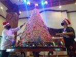 pohon-natal-dari-kue-di-the-sunan-hotel-solo-yoss.jpg
