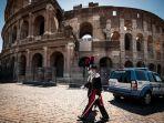 polisi-carabinieri-italia-di-depan-colosseum-yes.jpg