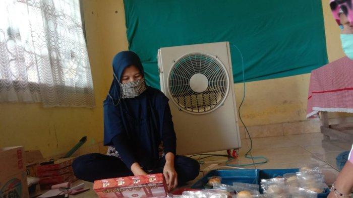 Pia Sriwijaya penganan khas dari Palembang