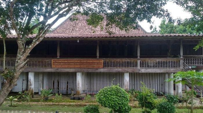 Melihat Rumah 100 Tiang di OKI, Syarat Pernikahan Pinangan Putra dari Pangeran Rejed