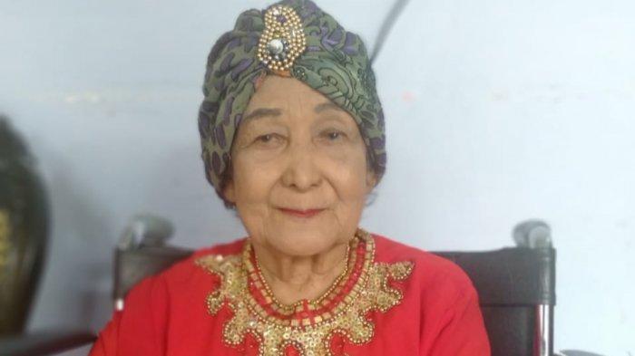 Budayawan Palembang Hj. Masayu Anna Kumari atau yang dikenal Anna Kumari.