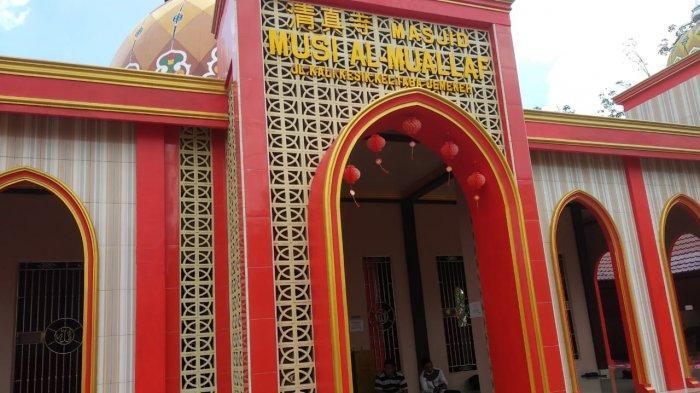 Masjid Musi Al Muallaf terletak di Jalan Kali Kesik, Kelurahan Taba Jemekeh, Kecamatan Lubuklinggau Timur 1.