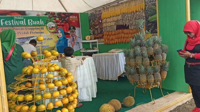 Stand Kabupaten Muba yang ada di Festival Buah dan Pertanian Unggulan III