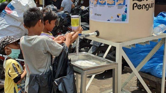 IMA Chapter Palembang Bantu Sediakan Tempat Cuci Tangan di Tempat Umum