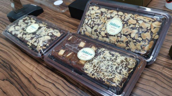 Lezatnya Brownies Panggang 2 Rasa di Mellslicious, Crunchy di Luar dan Soft di Dalam