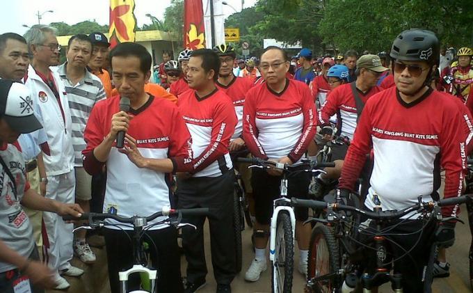 Jokowi Gowes Sepeda di KBT