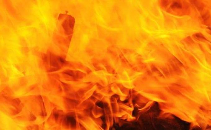 Gudang Peralatan Pesta di Pesanggrahan Hangus Terbakar