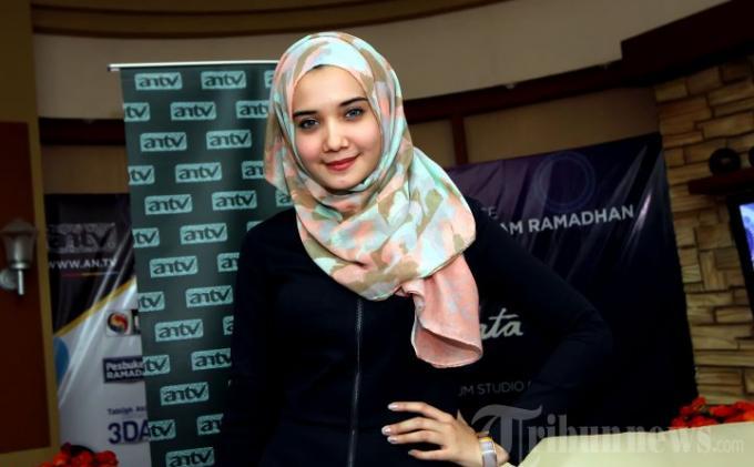Zaskia Sungkar Ingin Angkat Batik Khas Surabaya