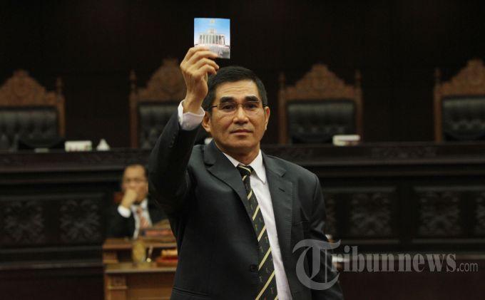 Mantan Ketua Mahkamah Konstitusi Sebut KPU Terlalu Genit Larang Mantan Koruptor Jadi Caleg