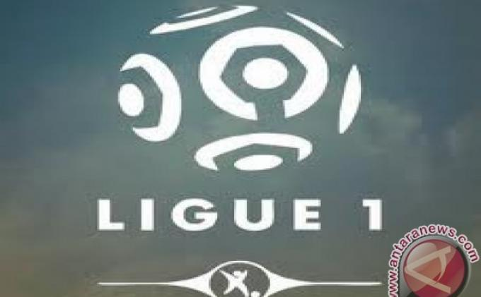 Olympique Lyon Kembali Geser Paris Saint Germain