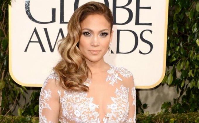 Untuk Jaga Kebugaran Jennifer Lopez Olahraga dengan Sepeda Unik