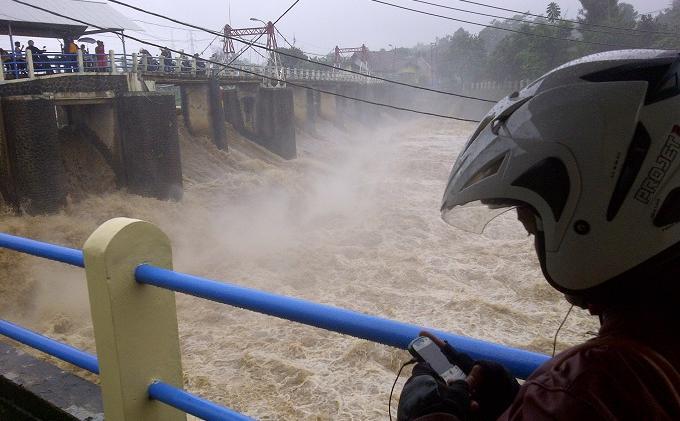 UPDATE Tinggi Muka Air Seluruh Pintu Air di Jakarta, Bogor dan Depok Minggu 25 Juli 2021