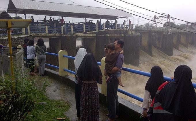 UPDATE Tinggi Muka Air Seluruh Pintu Air di Jakarta, Bogor, Depok  Selasa 7 September 2021