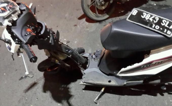 Dua Peristiwa Kecelakaan Terjadi di Cengkareng, Adu Banteng Motor hingga Mobil Tertabrak Kereta