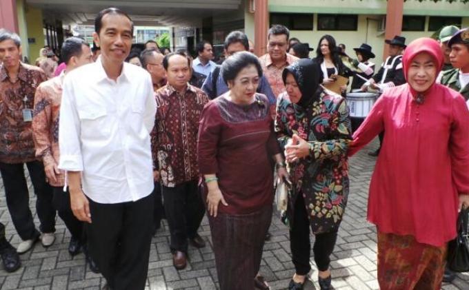 Jokowi Dimanfaatkan PDI Perjuangan Jadi Juru Kampanye