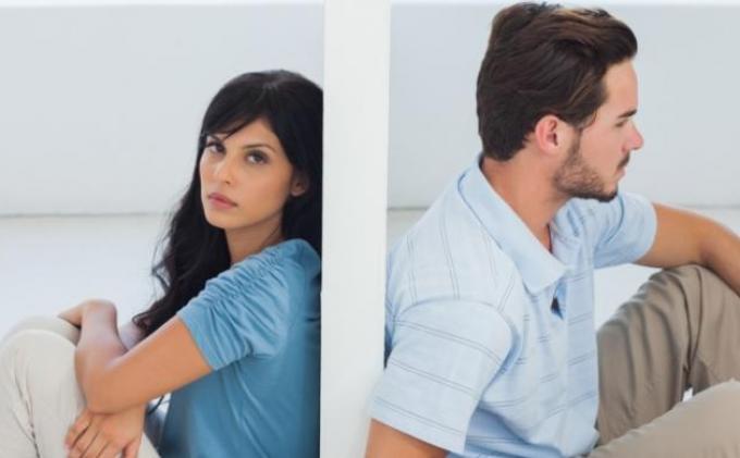 6 Zodiak ini Paling Parah Cemburuannya Pada Pasangan, Siapa Saja Ya?