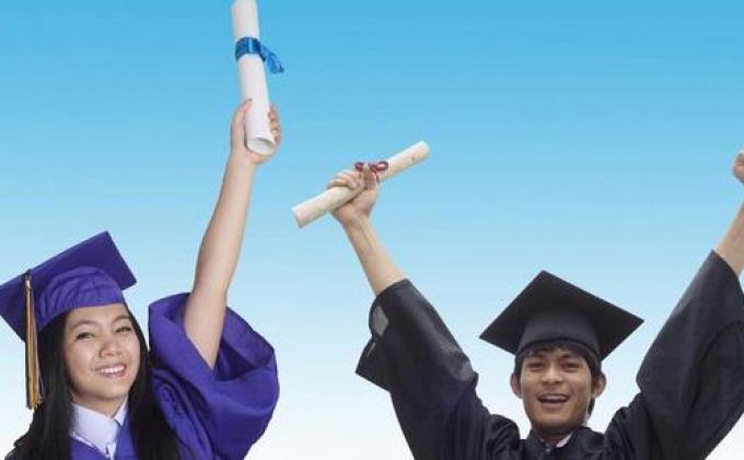 Mahasiswa Indonesia Raih Penghargaan di Inggris