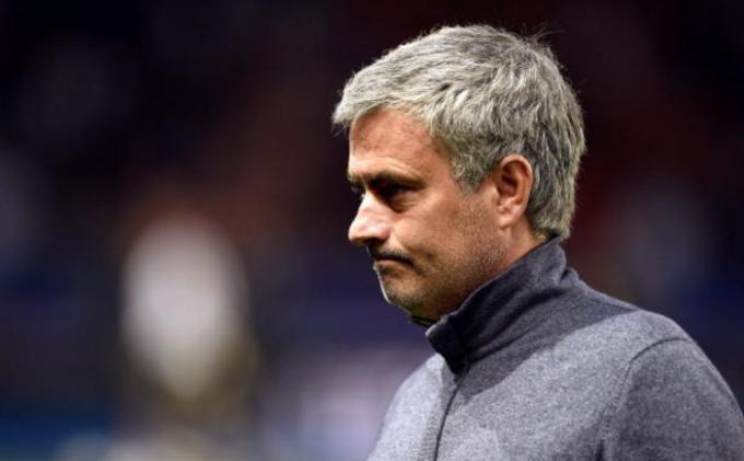 Fans Chelsea Ingin Bantu Mourinho Bayar Denda