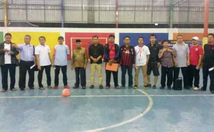 Rumah Makan Simpang Raya Gelar Turnamen Futsal