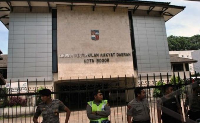 Baru Dilantik Jadi Anggota DPRD Kota Bogor, Achmad Rifky Sumbangkan Gaji Pertamanya