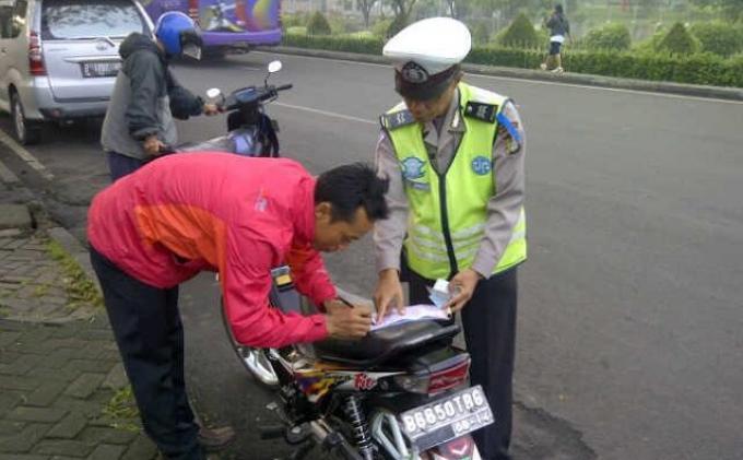 Warga Tak Puas Operasi Simpatik di Jakarta Timur