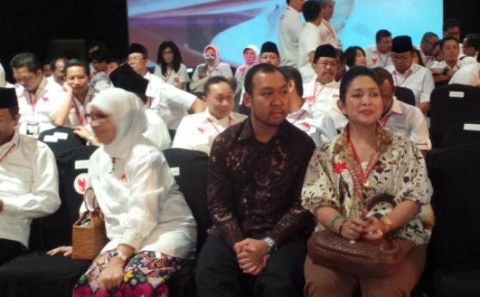 Anak Prabowo Senyum Tersipu saat Dipuji Bapaknya