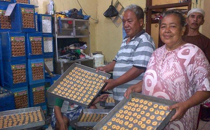 Tempat Pembuatan Kue Kering Ini Layani Pesanan 3.000 Kaleng