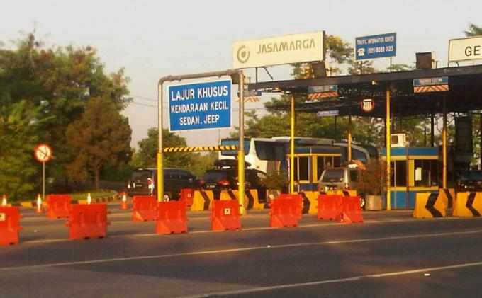 Kamis, Tol Jakarta-Cikampek Naik Hingga 50 Persen