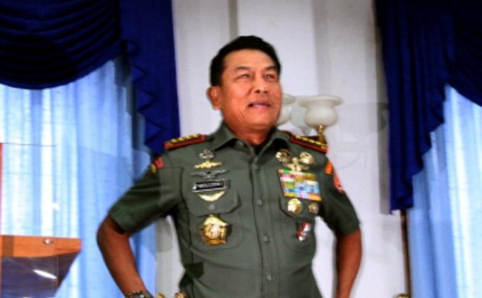 BREAKING NEWS: Pagar Rumah Jenderal Moeldoko Ditabrak Pajero