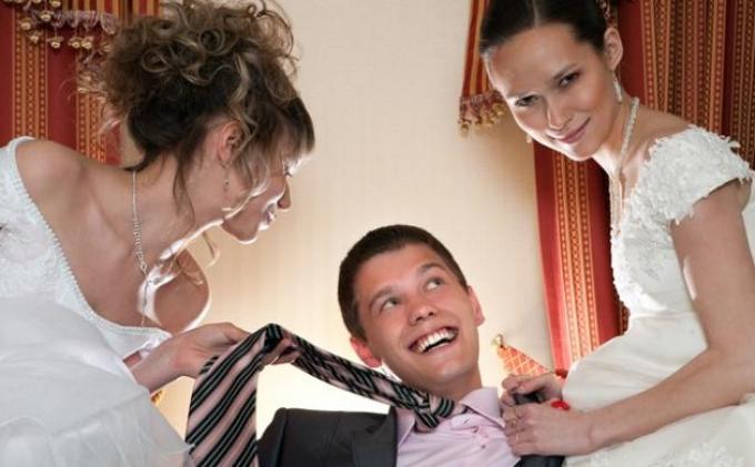 Keluarga ini Lakukan Poligami dari Sang Kakek, Kini Cucunya yang PNS Punya 4 Istri dan Hidup Rukun