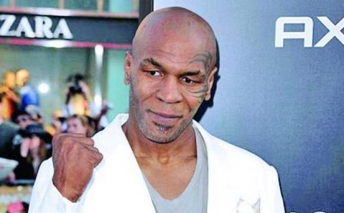 Roy Jones Sebut Mike Tyson Masih Layak Bertarung Meski Sudah Tua