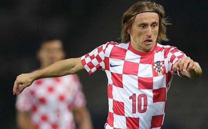 BREAKING NEWS: Penalti Luca Modric Antar Kroasia Gilas Nigeria 2-0