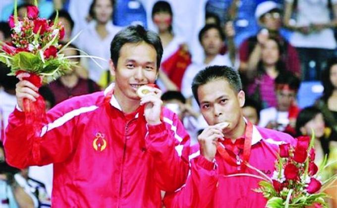 Pasangan Markis Kido/Hendra Setiawan meraih medali emas untuk Indonesia di Olimpiade Beijing 2008. Di partai final pada 16 Agustus 2008, mereka menaklukkan pasangan Tiongkok, Cai Yun/Fu Haifeng dengan skor 12-21, 21-11, 21-16.